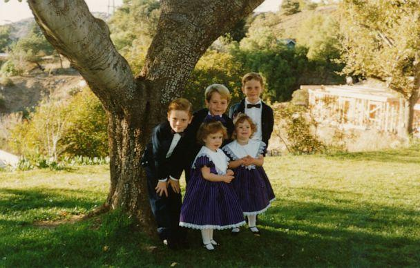 PHOTO: A young Jason Dohring, smiles with his siblings. (Jason Dohring)