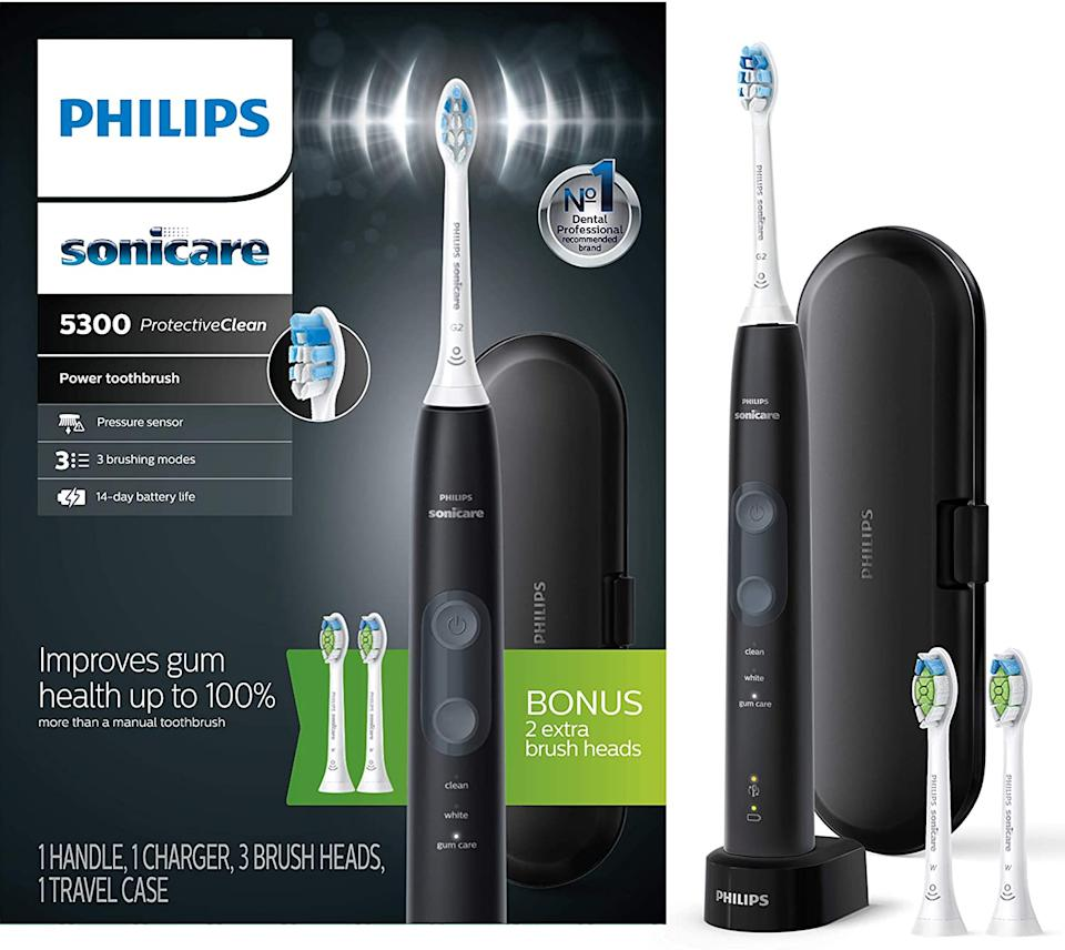 Save 25% on the Philips Sonicare ProtectiveClean Electric Toothbrush. Image via Amazon.