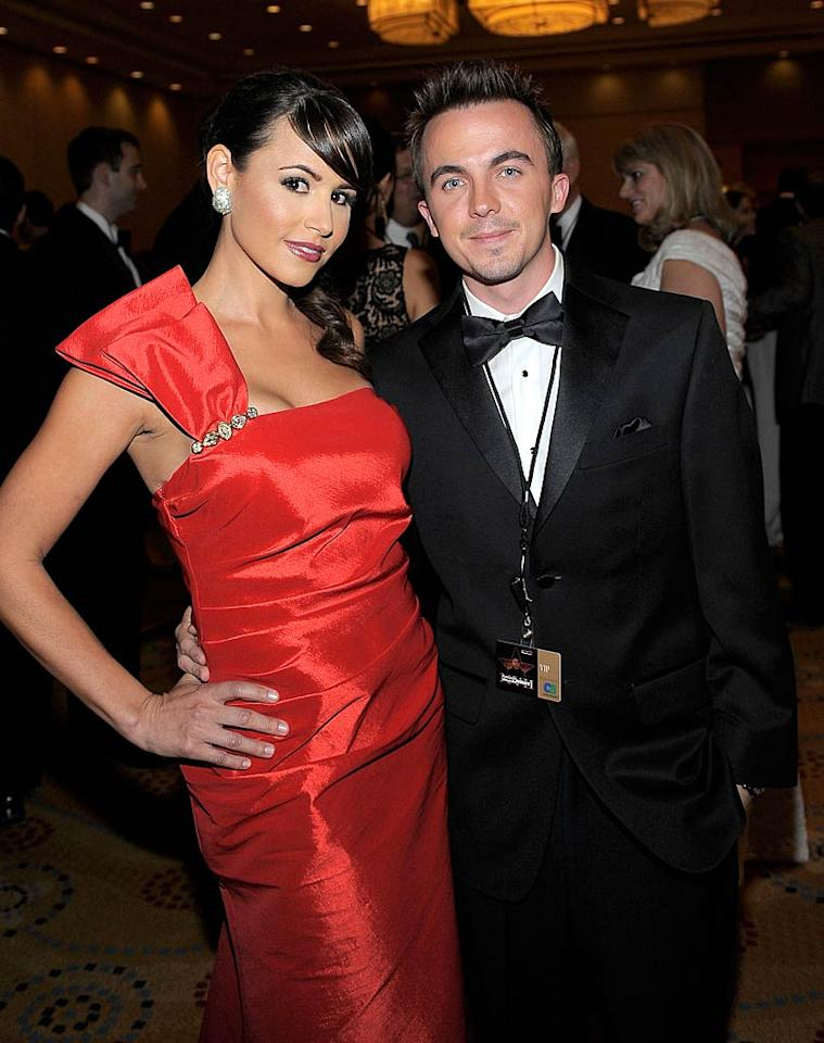 """Frankie Muniz posed with his lady in red -- girlfriend Elycia Marie. Frankie didn't mince words when it came to recapping the evening on Twitter, saying, """"Last night is going down as one of the most memorable, amazing nights of my life! Had such a great time..."""" Charley Gallay/<a href=""""http://www.gettyimages.com/"""" target=""""new"""">GettyImages.com</a> - March 19, 2011"""