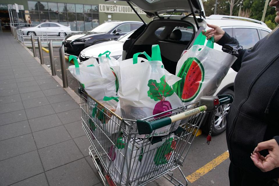 About 19 per cent of shoppers are stealing reusable plastic bags from supermarkets including Coles and Woolworths, according to a Canstar Blue survey. Source: AAP (File pic)