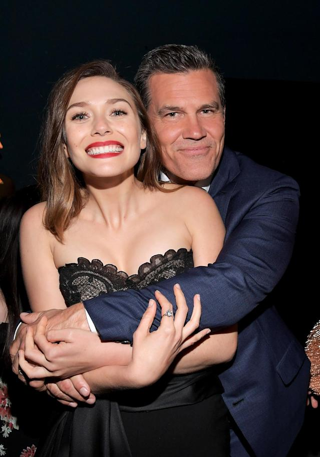 <p>Squeeze play! Brolin (Thanos) gave Olsen a hug. (Photo: Getty Images) </p>