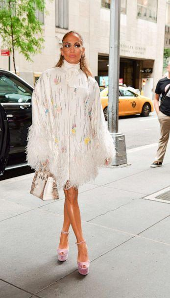 PHOTO: Jennifer Lopez seen on the streets of Manhattan. (James Devaney/GC Images/Getty Images)