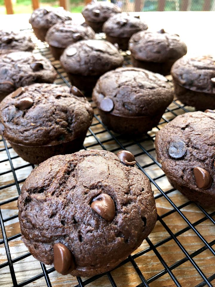 """<p>While baked goods aren't the healthiest breakfast, recipes made with added protein will keep you full and satisfied. Try these <a href=""""https://www.popsugar.com/fitness/Chocolate-Zucchini-Protein-Muffin-Recipe-46453919"""" class=""""ga-track"""" data-ga-category=""""Related"""" data-ga-label=""""https://www.popsugar.com/fitness/Chocolate-Zucchini-Protein-Muffin-Recipe-46453919"""" data-ga-action=""""In-Line Links"""">chocolate zucchini protein muffins</a> or this <a href=""""https://www.popsugar.com/fitness/Protein-Banana-Bread-37091173"""" class=""""ga-track"""" data-ga-category=""""Related"""" data-ga-label=""""http://www.popsugar.com/fitness/Protein-Banana-Bread-37091173"""" data-ga-action=""""In-Line Links"""">protein banana bread</a>. Make a batch on Sunday night, and freeze slices or muffins you can reheat quickly and grab throughout the week.</p>"""