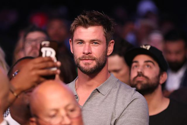 <p>Actor Chris Hemsworth attends the super welterweight boxing match between Floyd Mayweather Jr. and Conor McGregor on August 26, 2017 at T-Mobile Arena in Las Vegas, Nevada. (Photo by Christian Petersen/Getty Images) </p>