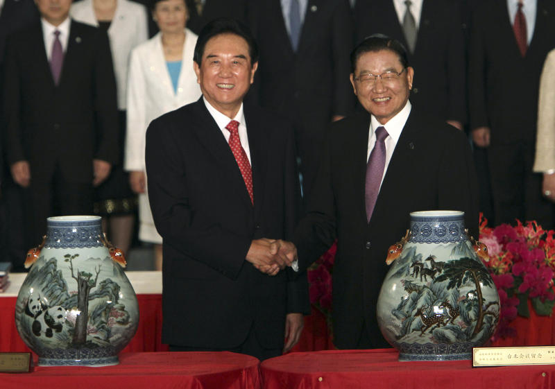 Taiwan, China sign investment protection pact