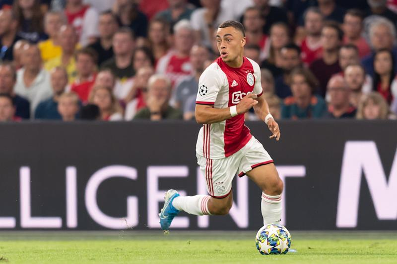 AMSTERDAM, NETHERLANDS - AUGUST 28: Sergino Dest of Ajax Amsterdam controls the ball during the UEFA Champions League Play Off match between Apoel Nicosia and Ajax at Johan Cruyff Arena on August 28, 2019 in Amsterdam, Netherlands. (Photo by TF-Images/Getty Images)