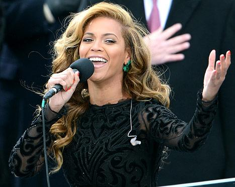 """Beyonce Lip-Synch Scandal: She """"Didn't Think There Was Anything Wrong"""" With Using Pre-Recorded Track"""
