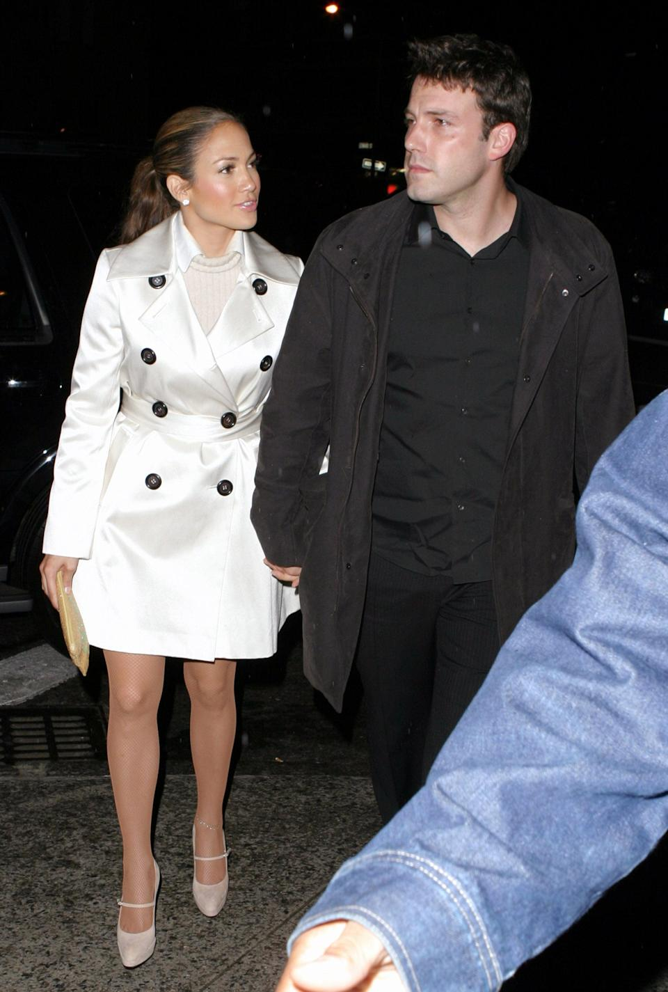 <p>For a NYC date in October 2003, Jennifer dressed up in all-white, Ben dressed down in all black.</p>