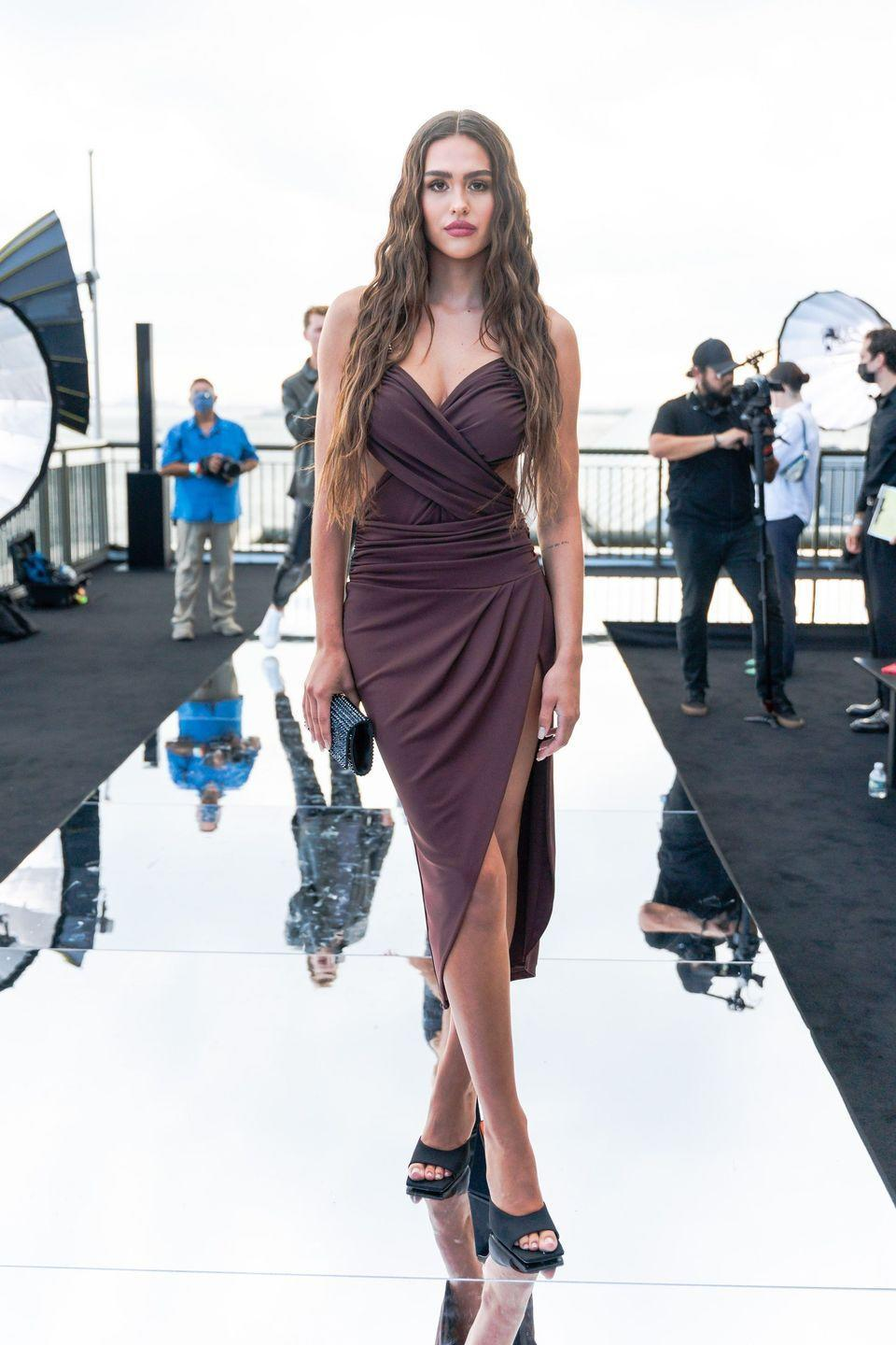 <p> Lisa Rinna's daughter Amelia Hamlin attends the DUNDAS x REVOLVE NYFW Runway Show at Casa Cipriani at Casa Cipriani, shortly after her break up with Scott Disick.</p>