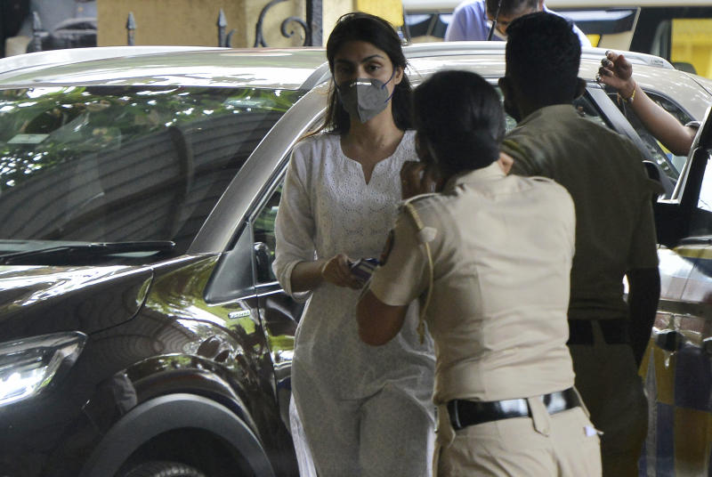 MUMBAI, INDIA - OCTOBER 8: Bollywood actor Rhea Chakraborty arrives at Santacruz Police Station for attendance after Bombay High Court granted bail in drugs-related charges in the Sushant Singh Rajput's death case, on October 8, 2020 in Mumbai, India. (Photo by Satyabrata Tripathy/Hindustan Times via Getty Images)