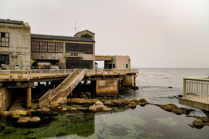 """An overcast day at the iconic Monterey Bay Aquarium, looking out over the Great Tide Pool in Monterey. <span class=""""copyright"""">(Kent Nishimura / Los Angeles Times)</span>"""