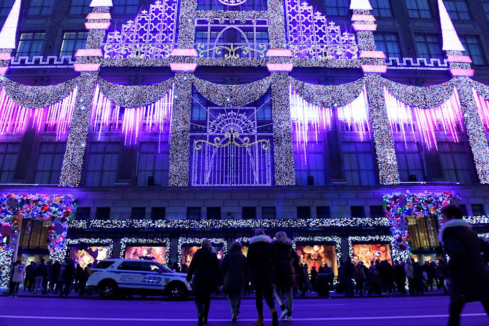 FILE PHOTO: Saks Fifth Avenue's holiday light show can be seen on display in the Manhattan borough of New York, U.S., November 27, 2016. (Source: REUTERS/Darren Ornitz)