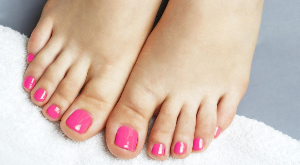 Goodbye, quarantine feet! This at-home foot-peeling kit will give you smooth soles minus the salon. (Photo: Getty/iStockphoto)