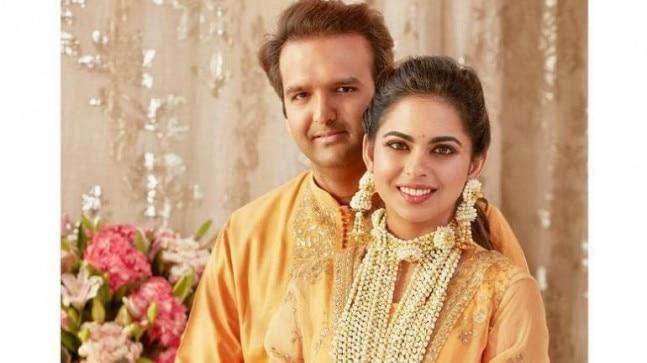 For their Haldi ceremony, both Isha Ambani and Anand Piramal donned mustard yellow Sabyasachi outfits keeping in sync with the colour of the haldi.