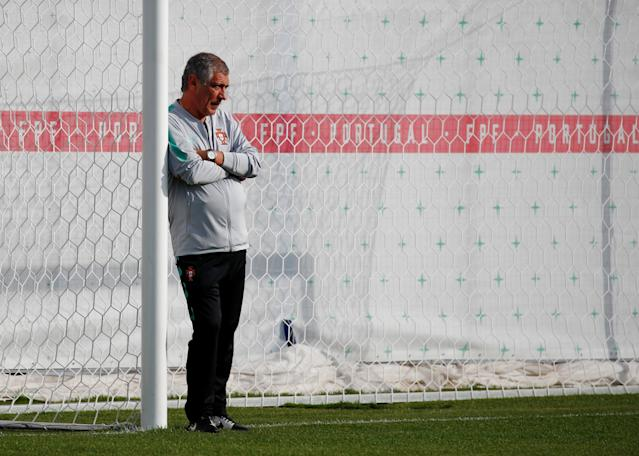 Soccer Football - World Cup - Portugal Training - Portugal Training Camp, Moscow, Russia - June 21, 2018 Portugal coach Fernando Santos during training REUTERS/Axel Schmidt