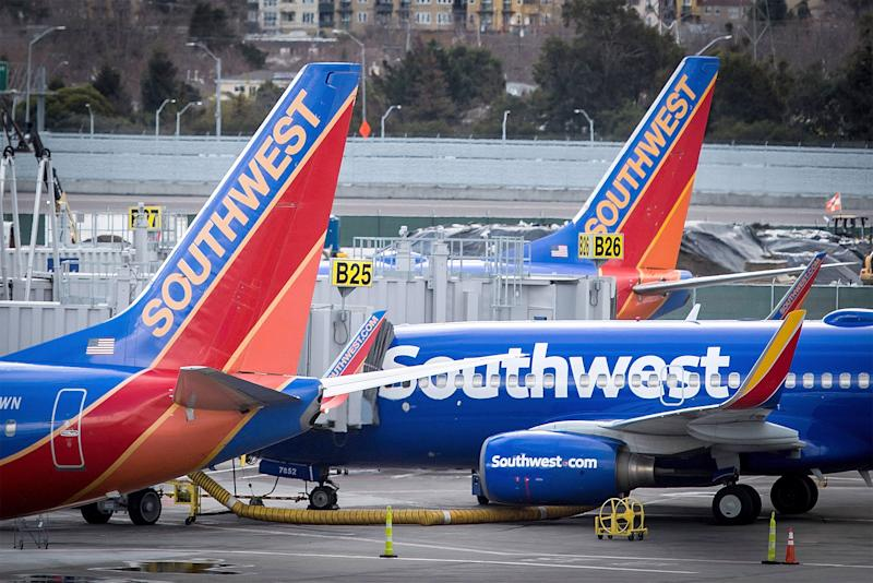 Teacher Collects $530 on Southwest Flight After Opening Up to Stranger about Students in Need