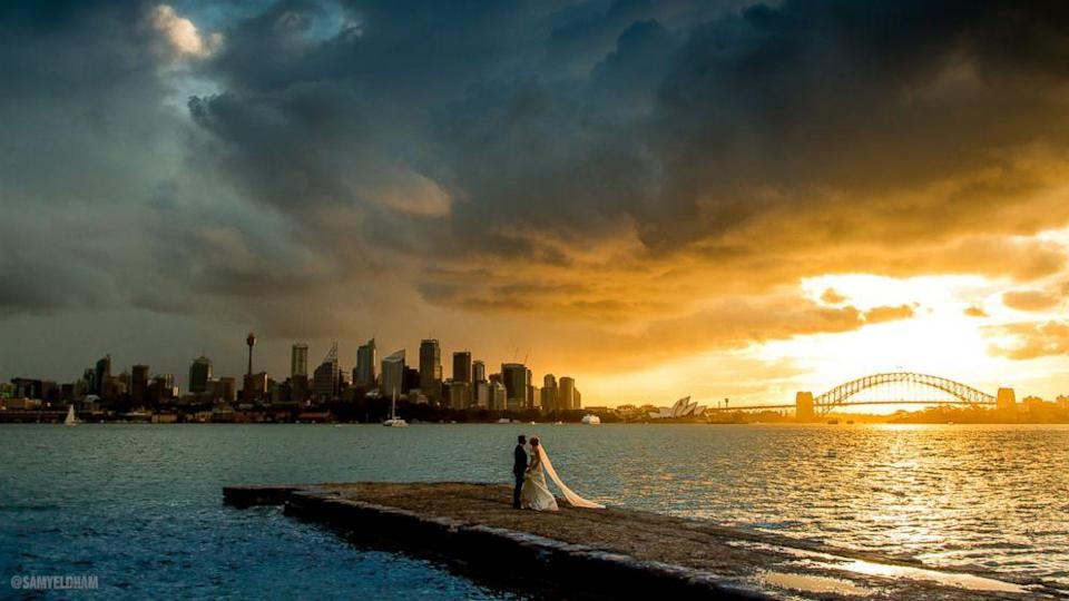Social Media Tracks Down Sydney Newlyweds in Candid, Stunning Sunset Photo (ABC News)