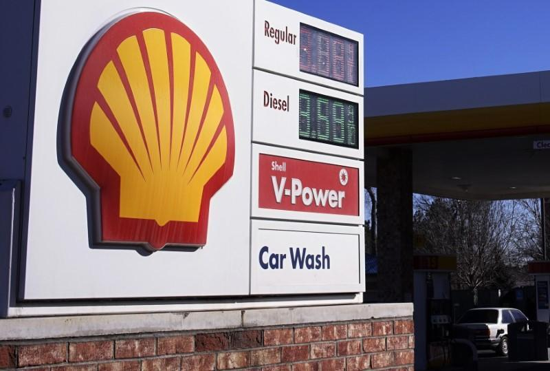 Shell gas station in Colorado. REUTERS/Rick Wilking