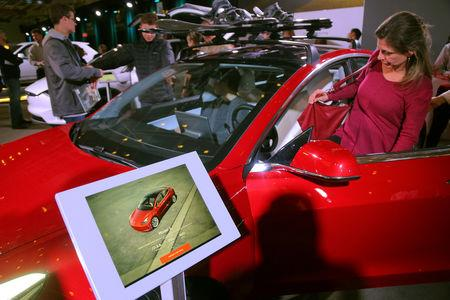 Tesla: China suspends customs clearance for Model 3 auto
