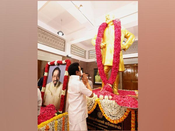 CM MK Stalin pays floral tribute to Sivaji Ganesan Picture (MK Stalin/Twitter)