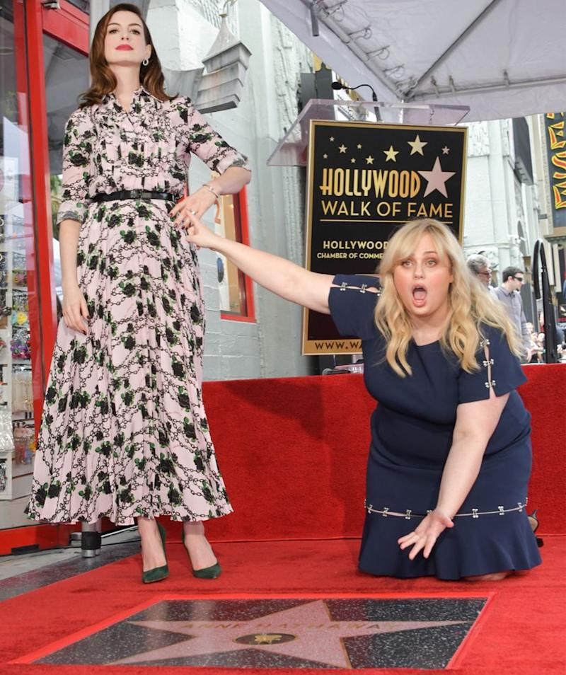 Anne Hathaway Comedy: Anne Hathaway Honored By Rebel Wilson As She Receives A