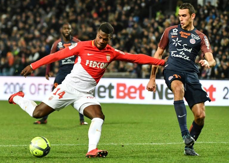 Monaco forward Keita Balde (L) vies with Montpellier midfielder Ellyes Skhiri during their French Ligue 1 match