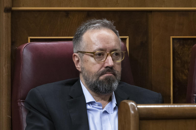 MADRID, SPAIN - JULY 22: Member of Parliament for Ciudadanos (Citizens) party Juan Carlos Girauta attends to the first day of the investiture debate at the Spanish Parliament on July 22, 2019 in Madrid, Spain. Spanish Socialist party (PSOE) and Podemos (We Can) are trying to find a deal to set a Spanish leftwing government of the socialist workers's party in coalition with Podemos. (Photo by Pablo Blazquez Dominguez/Getty Images)
