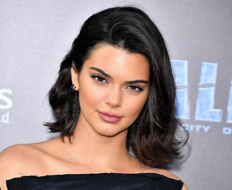 Kendall Jenner debuted a pixie cut, looks exactly like mom Kris