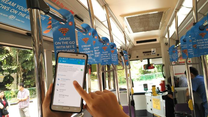 This Singapore public bus service is now offering WiFi-On-The-Go