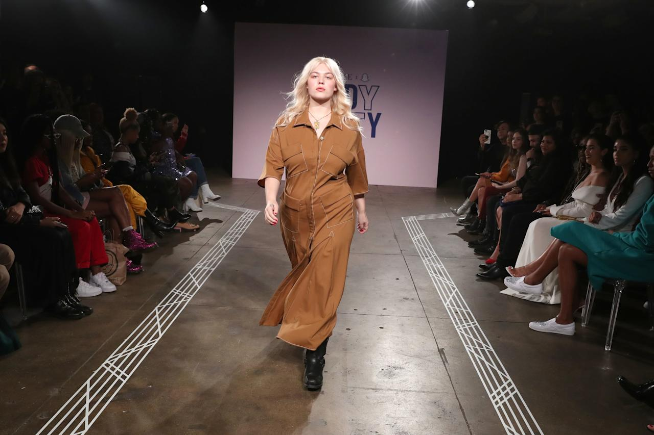 <p>Lulu glided down the catwalk in the perfect structured cargo dress.</p> <p>Wearing <strong>Lorod</strong>.</p>
