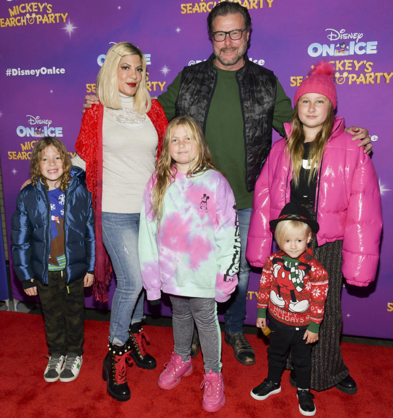 "LOS ANGELES, CALIFORNIA - DECEMBER 13: (L-R) Finn Davey McDermott, Tori Spelling, Hattie Margaret McDermott, Dean McDermott, Beau Dean McDermott, and Stella Doreen McDermott attend 2019 Disney On Ice ""Mickey's Search Party"" at Staples Center on December 13, 2019 in Los Angeles, California. (Photo by Rodin Eckenroth/Getty Images)"
