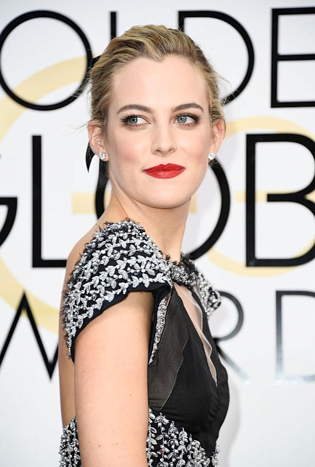 <p>Riley Keough commands attention with her strawberry painted pout. (Photo: Getty Images) </p>