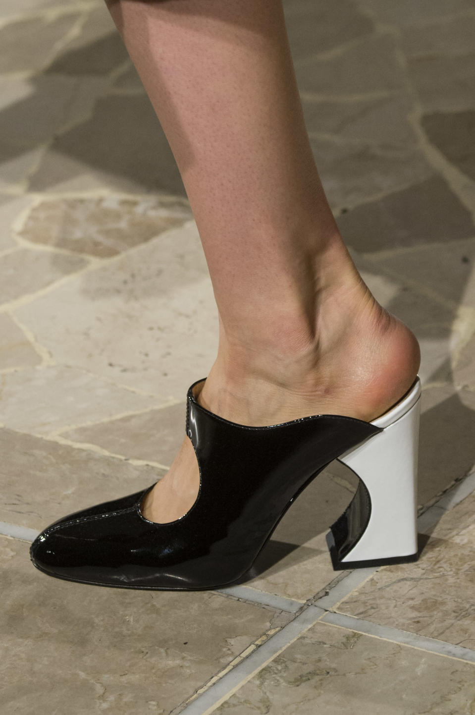 <p><i>Black and white sculptural heel from the SS18 Arthuer Arbesser collection. (Photo: ImaxTree) </i></p>