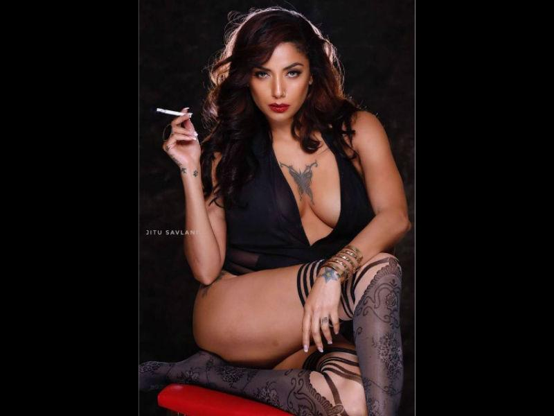 Ex Bigg Boss contestant Diandra Soares silences haters with this smoking hot picture