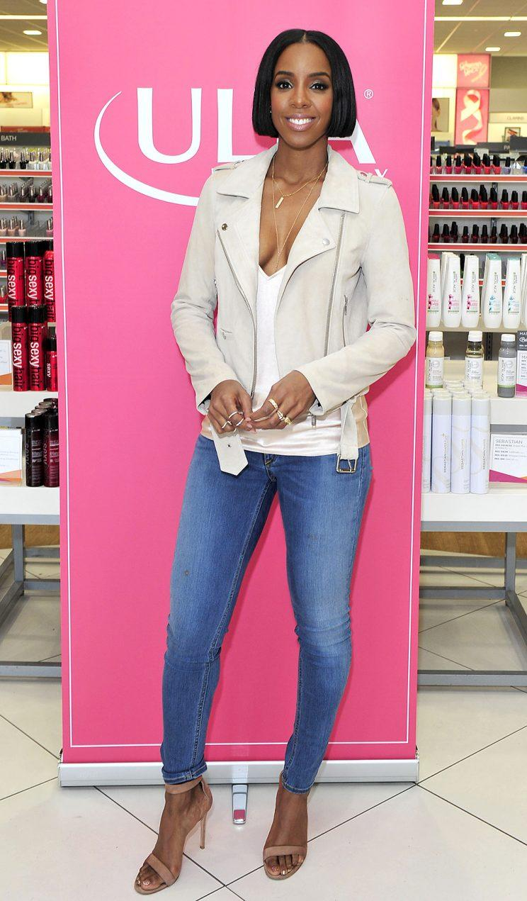Kelly Rowland came out in support of a breast cancer awareness event at Ulta Beauty in L.A. this week. (Photo: Michael Simon/startraksphoto.com)