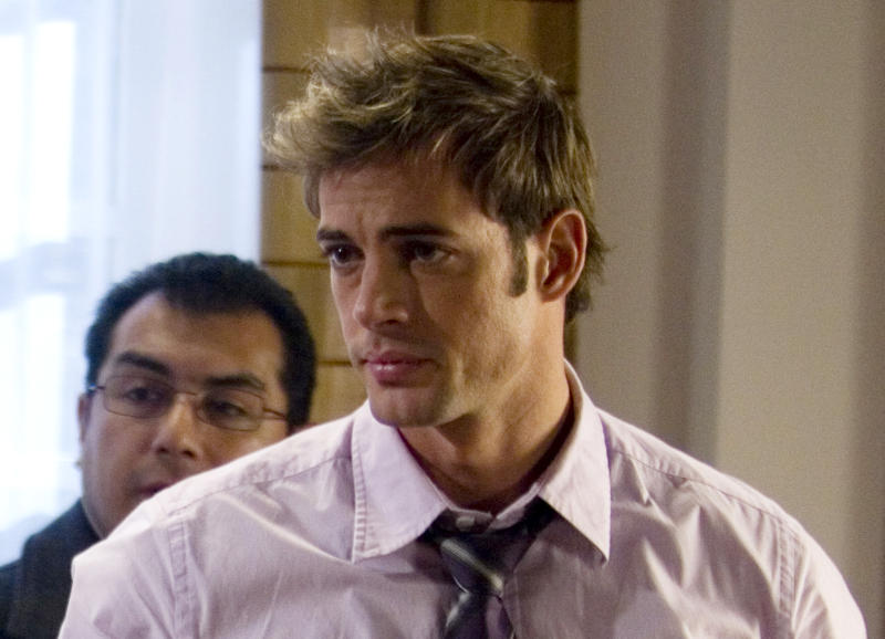 """FILE - In this Nov. 24, 2008 file photo, Cuban actor William Levy is shown during the filming of an episode of the """"Cuidado con el Angel"""" or """"Careful with the Angel"""" sopa opera at Televisa Network studios in Mexico City. Levy will be among the 12 celebrity contestants on the next season of the ABC dancing competition, premiering March 19. (AP Photo/Dario Lopez-Mills, file)"""