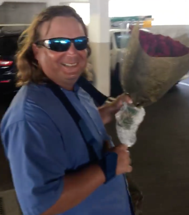 Formerly Homeless Gold Coast Man Spreads Love This Valentine's Day