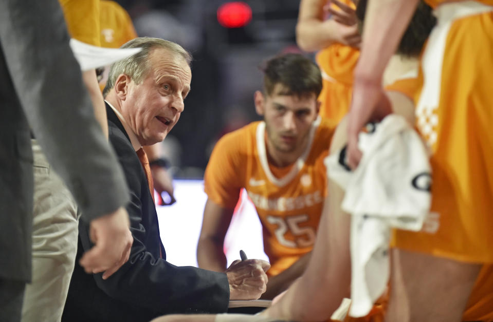 Rick Barnes in the huddle.