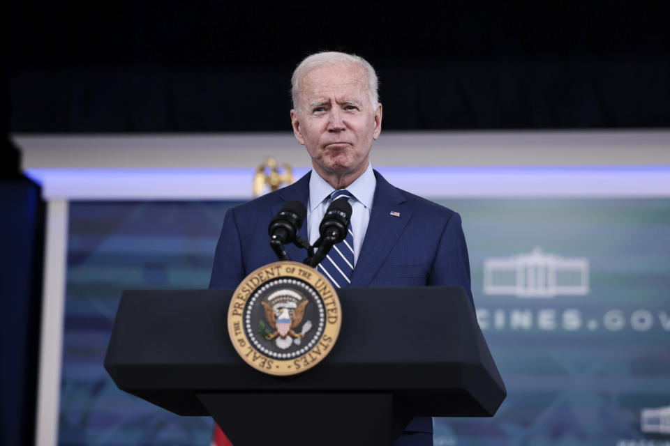 WASHINGTON, DC - SEPTEMBER 27: U.S. President Joe Biden delivers remarks ahead of receiving a third dose of the Pfizer/BioNTech Covid-19 vaccine in the South Court Auditorium in the White House September 27, 2021 in Washington, DC. Last week President Biden announced that Americans 65 and older and frontline workers who received the Pfizer-BioNTech COVID-19 vaccine over six months ago would be eligible for booster shots. (Photo by Anna Moneymaker/Getty Images)