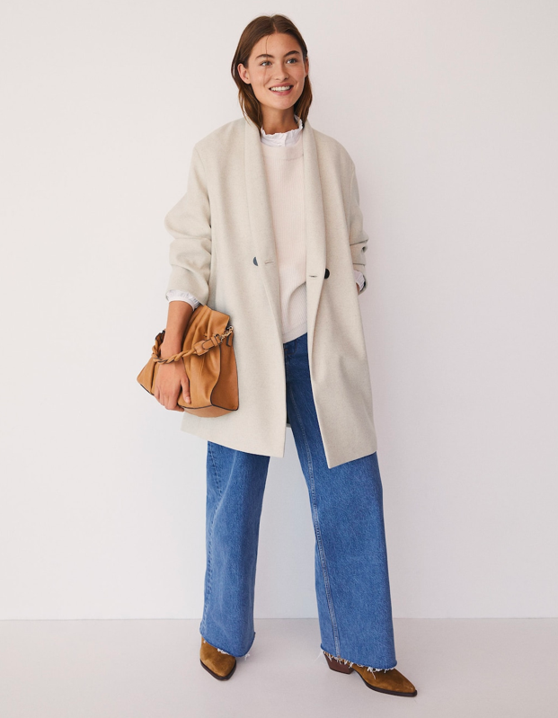 "<a href=""https://shop.mango.com/us/women/coats-coats/wool-double-breasted-coat_77005131.html"" rel=""nofollow noopener"" target=""_blank"" data-ylk=""slk:Mango"" class=""link rapid-noclick-resp"">Mango</a> didn't have to go snap like that. Just give us the whole look. $120, Mango. <a href=""https://shop.mango.com/us/women/coats-coats/wool-double-breasted-coat_77005131.html"" rel=""nofollow noopener"" target=""_blank"" data-ylk=""slk:Get it now!"" class=""link rapid-noclick-resp"">Get it now!</a>"