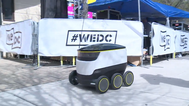 This Fast Food Delivery Robot Coming to Your Doors Soon