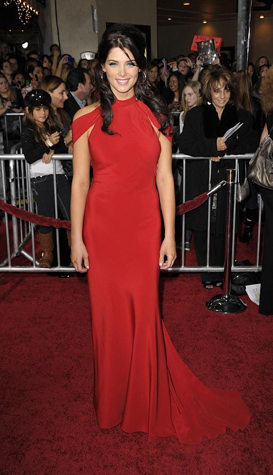"""<a href=""""http://movies.yahoo.com/movie/contributor/1810024386"""">Ashley Greene</a> at the Los Angeles premiere of <a href=""""http://movies.yahoo.com/movie/1810055802/info"""">The Twilight Saga: New Moon</a> - 11/16/2009"""