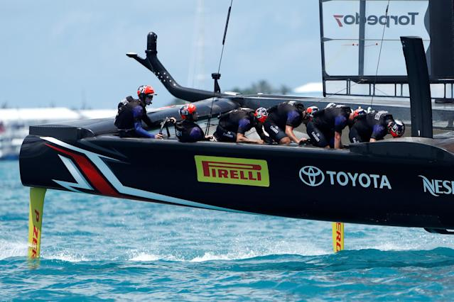Sailing - America's Cup finals - Hamilton, Bermuda - June 26, 2017 - Emirates Team New Zealand leads Oracle Team USA around race course on the way to winning race nine and the America's Cup. REUTERS/Mike Segar