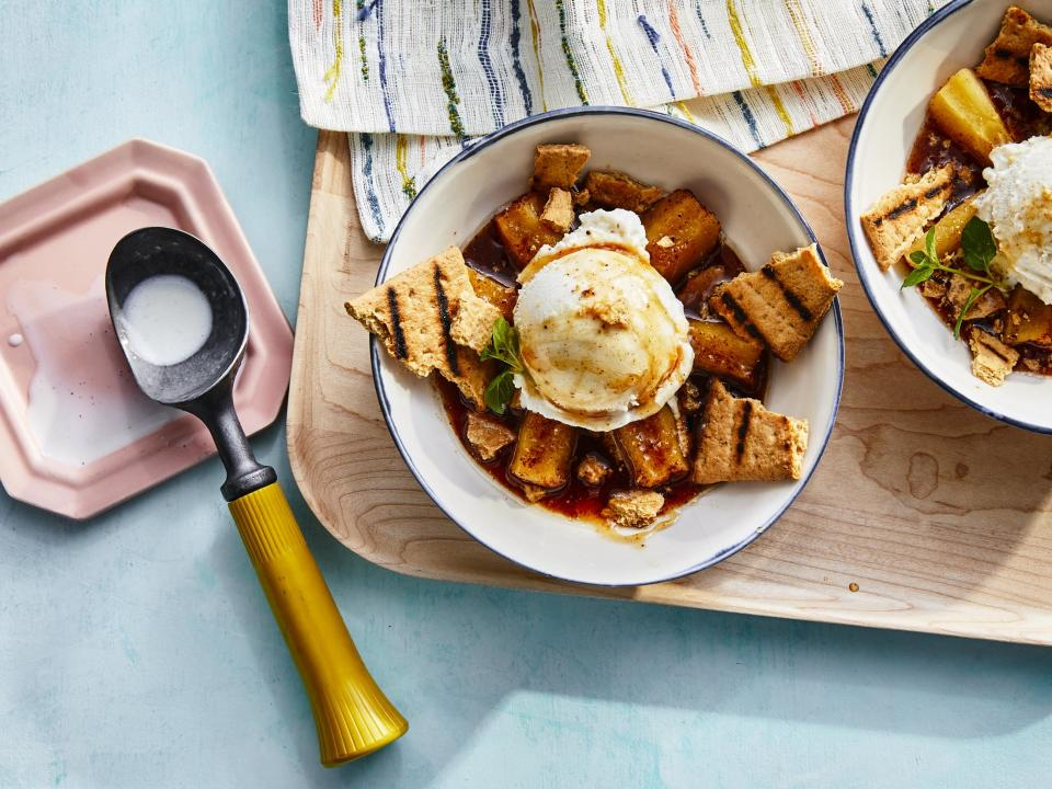 <p>Whether it's in the backyard or around a campfire, this easy, on-the-spot recipe has all the elements of a perfect apple pie. Make sure to use apples that are the same size so they'll cook at the same rate. The ice cream will melt quickly, so put it on the apples <i>right</i> as you serve them. </p>