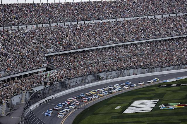 Daytona 500 suspended until Monday due to rain
