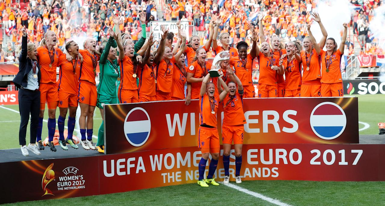 Soccer Football - Netherlands vs Denmark - Women's Euro 2017 Final - Enschede, Netherlands - August 6, 2017  Netherlands celebrate winning the Euro 2017 Final   REUTERS/Yves Herman     TPX IMAGES OF THE DAY