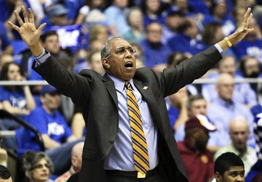 Minnesota head coach Tubby Smith directs his team against Middle Tennessee in the first half of a quarterfinal NIT college basketball tournament game on Wednesday, March 21, 2012, in Murfreesboro, Tenn. (AP Photo/Mark Humphrey)