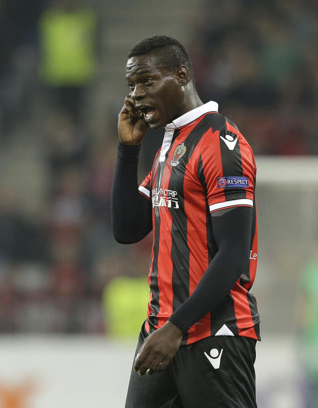 Il 2 luglio del 2018 Mario Balotelli non si presentò al primo giorno di raduno con il Nizza. L'attaccante fece scoppiare un vero caos e fu immediatamente scaricato dal tecnico Vieira. (AP Photo/Claude Paris)
