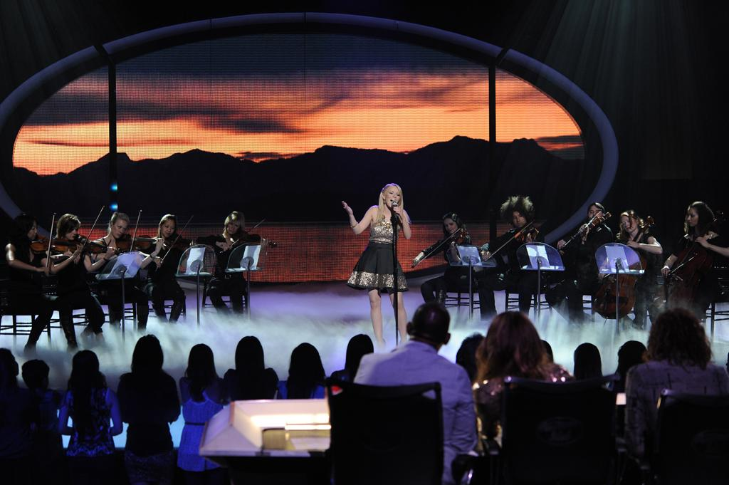 "Hollie Cavanagh performs ""The Climb"" by Miley Cyrus on ""<a target=""_blank"" href=""http://tv.yahoo.com/american-idol/show/34934"">American Idol</a>."""