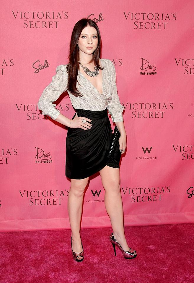 """24-year-old """"Gossip Girl"""" star Michelle Trachtenberg looked rather matronly in her pseudo-office attire. Todd Williamson/<a href=""""http://www.wireimage.com"""" target=""""new"""">WireImage.com</a> - May 11, 2010"""